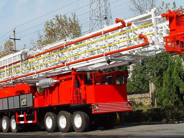 Service rig on its way to the port